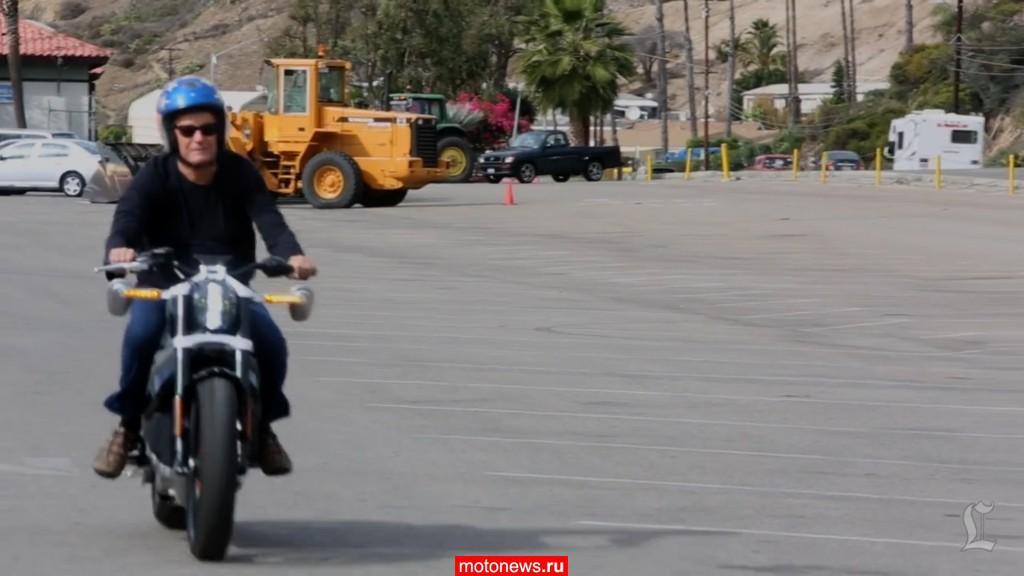 Питер Фонда опробовал электрический Harley-Davidson
