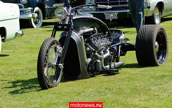 Монстр-трайк с двигателем V8...