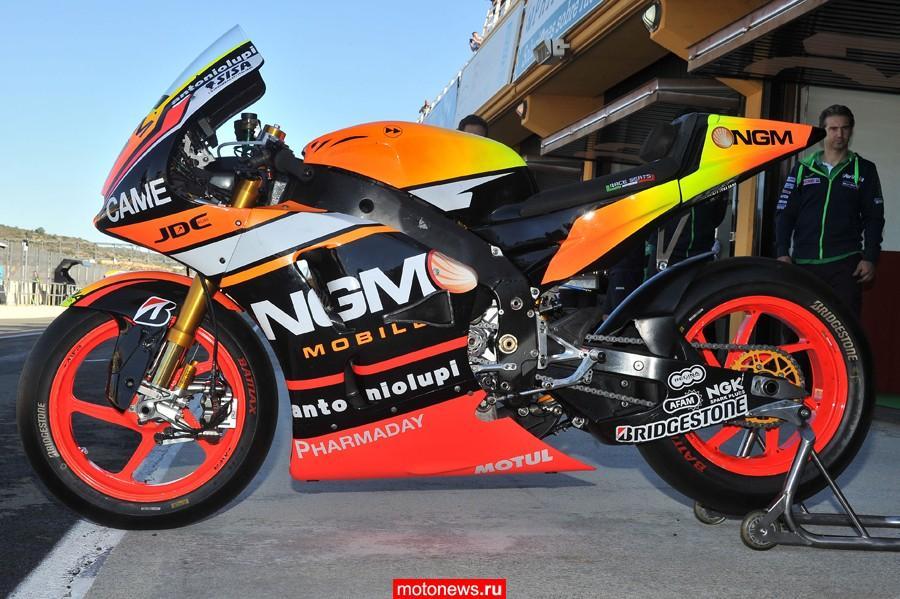 Лорис Баз погоняет в MotoGP на Yamaha