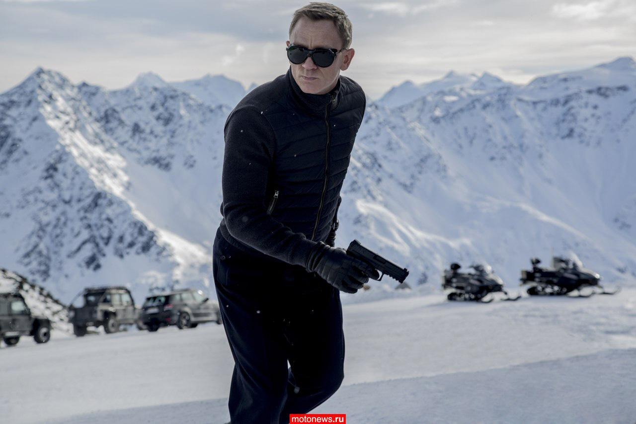 «Агент 007» Джеймс Бонд погоняет на снегоходах?