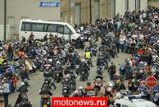 Французские мотоциклисты продолжают протестовать